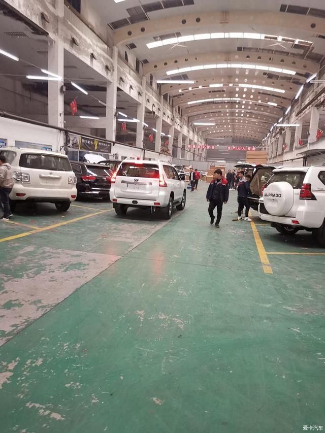 人还没见面,几十万已经汇过去了!天津港提车丰田霸道