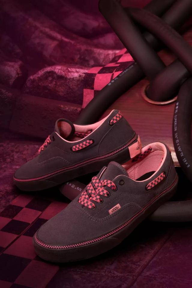 在鼠年到来之前,我们先送大家一双鼠年装备鞋