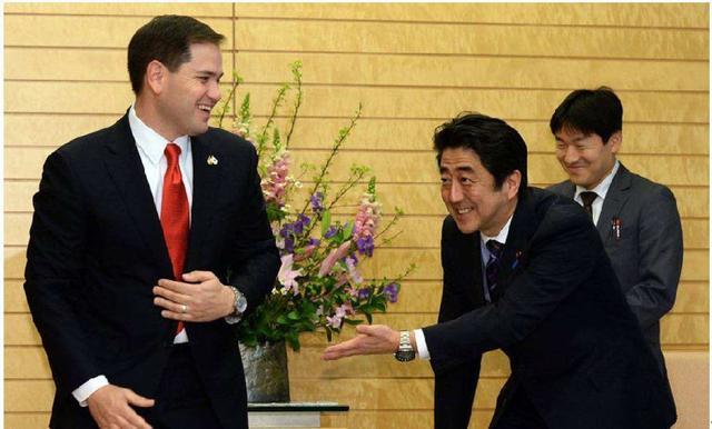 突发,日本首相专机在空中突然失火,机上一度出现混乱局面